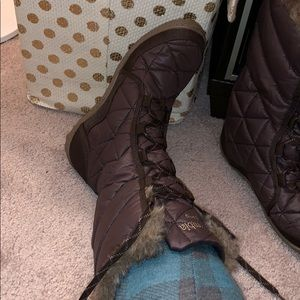 Columbia Shoes - Columbia waterproof snow boots size 7 NWOT